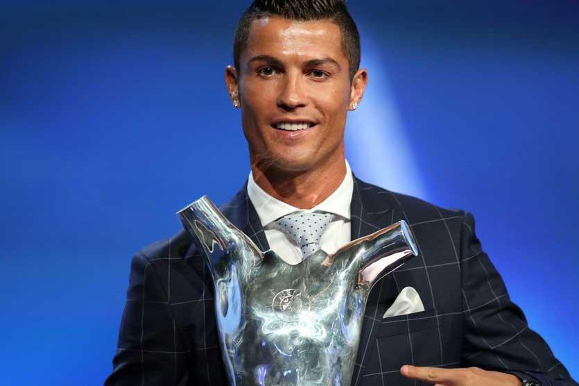 Роналду признан УЕФА лучшим игроком сезона 2015/16